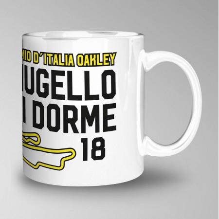 Taza del Gran Premio d'Italia Oakley, Mugello 2018, diseño hastag #AlMugellononsidorme